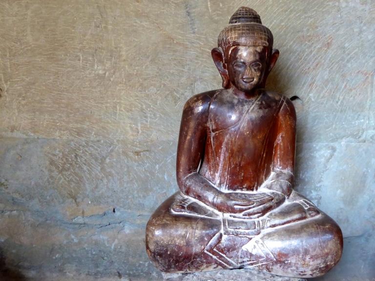 Angkor Wat - Buddha Statue