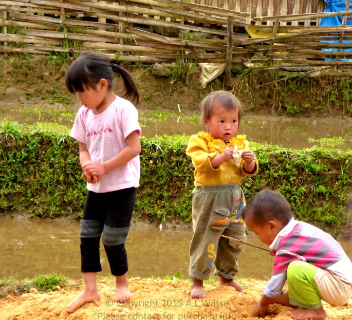 Kids Playing-Sapa